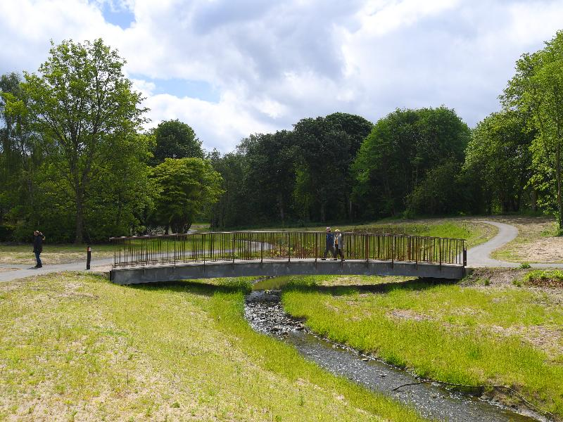 Sandyhills Park - daylighted burn (bridge)