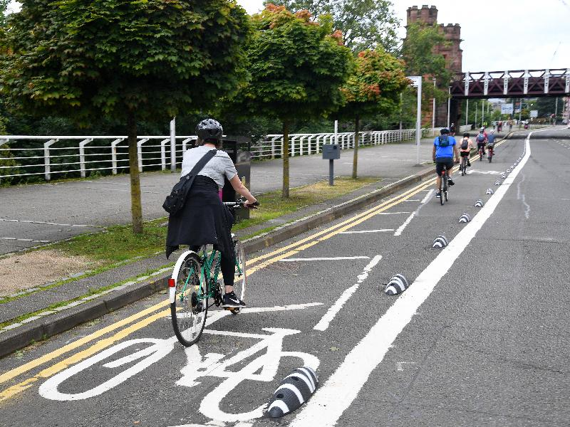 Broomielaw cycle lane complete 3