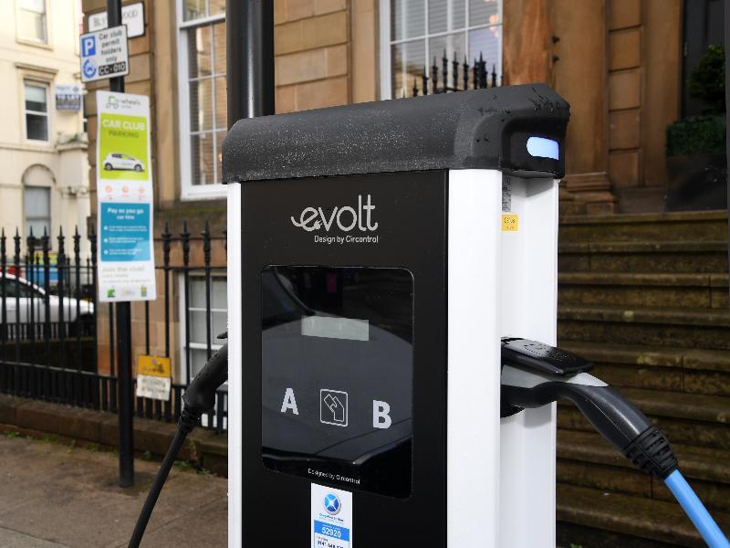 Co Wheel - Evolt charging station