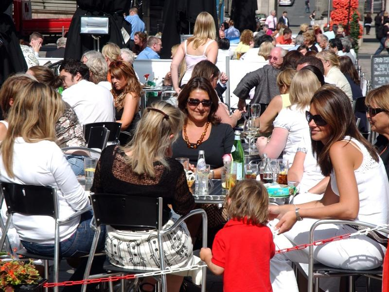 Proposed new street cafe policy for Glasgow city centre considered